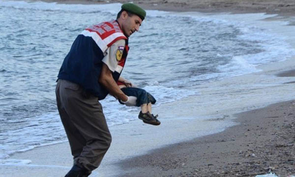 Officer who found Aylan Kurdi 'I thought of my own son'