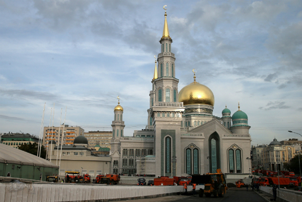 Erdogan, Abbas in Moscow for Mosque opening
