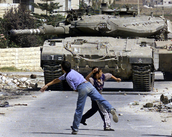 Israel to use live ammunition on stone throwers
