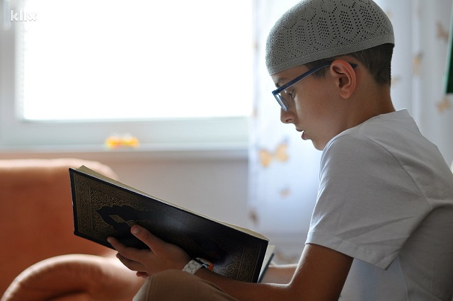 Bosnia: 10yo boy becomes 'Quran Hafiz'