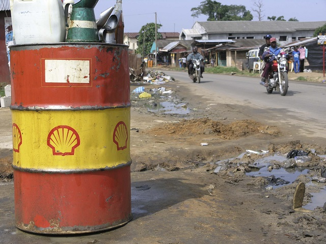 Nigeria charges oil majors Shell, Eni with corruption
