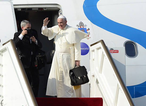 Pope arrives in Myanmar on first papal visit