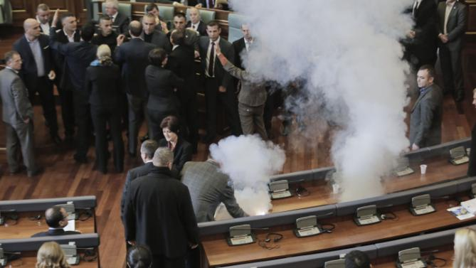 Kosovo parliament again disrupted with tear gas