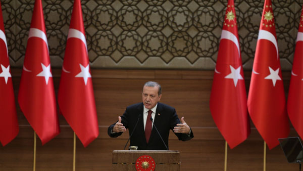 Erdogan: Anti-ISIL fight in Syria 'like theatre play'