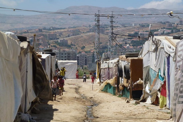No plan to build wall around refugee camp in Lebanon