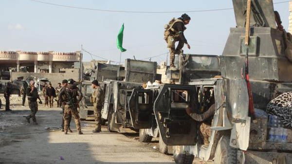 Iraqi forces battles with ISIL in Ramadi