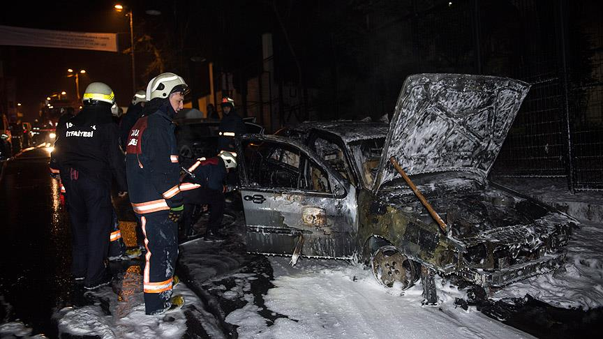 15 cars set on fire in Istabul