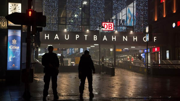 Police reopen Munich stations after terror evacuation