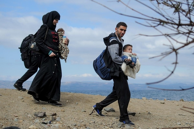 Turkey to offer work permits for Syrian refugees