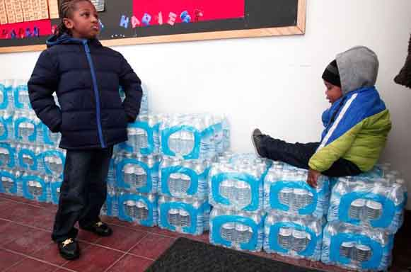 Muslim charity aim for 110,000 water bottles to Michigan