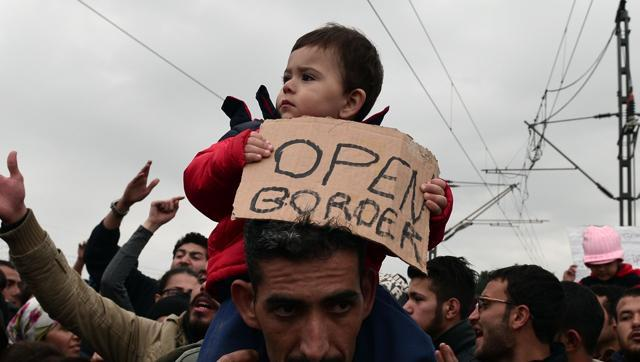 Villagers to sue Greek minister over refugee camp