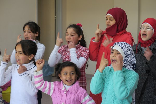 Turkish theatre helps heals Syrian orphans' trauma