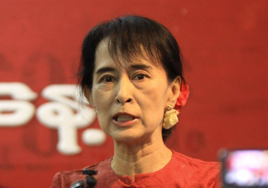 Myanmar: Suu Kyi ally sworn in as president