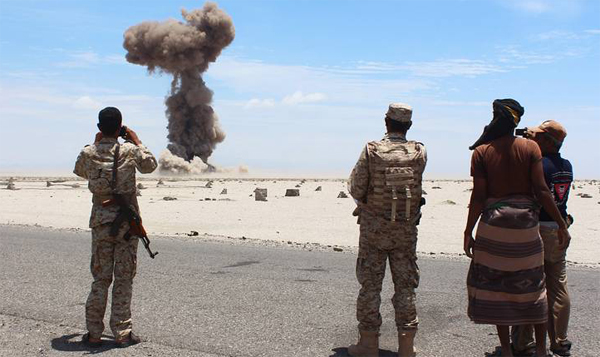 Aden army base hit by double car bomb attack in Yemen