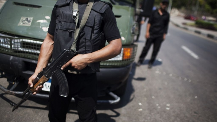 Policeman, 'terrorists' killed in Upper Egypt gunfight