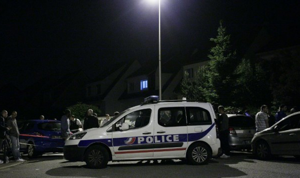 Car rams into crowd in southwestern France