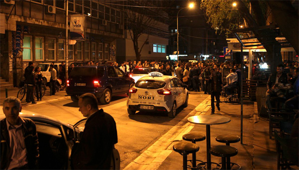 Man shoots dead 5, injures 20 in Serbian cafe