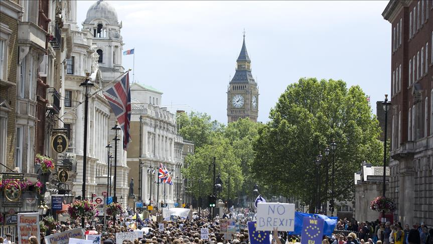 Tens of thousands gather in London for pro-Remain rally