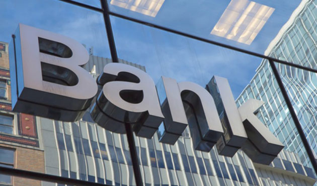 S&P cuts outlook for 7 UK banks