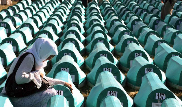 Bosnia remembers Srebrenica victims in moving ceremony