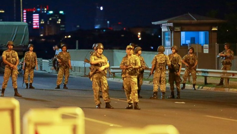 Turkey detains 1,563 army personnel over coup attempt