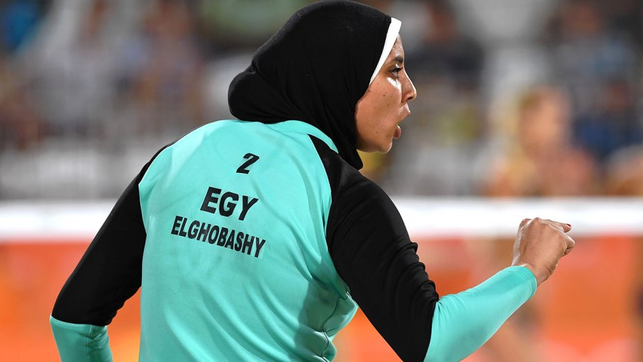 Egypt's hijab-wearing volleyballer raises eyebrows in Rio