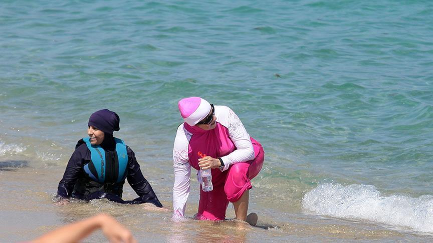 French mayors defy top court's 'burkini' ruling