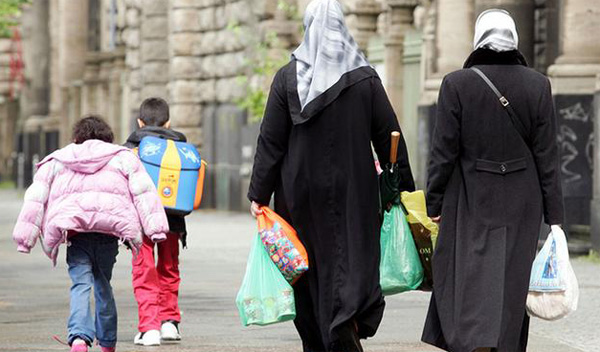 Muslim mothers prevented from entering Corsica school