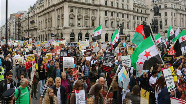 UK: Thousands gather for 'refugees welcome' rally