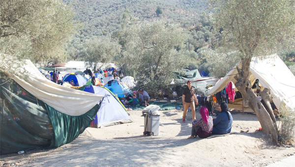 Greece to reduce refugees numbers on Lesbos