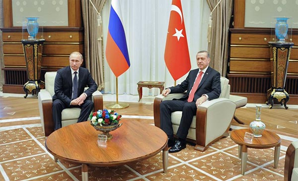 Putin in Turkey to push free trade, energy deals