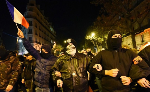 'We work in fear', police protests in France