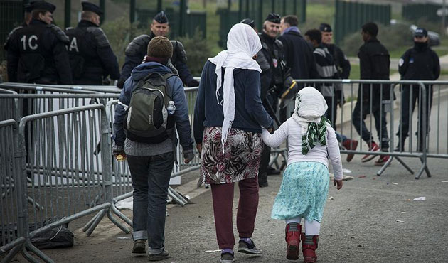 Number of asylum seekers hits record high in France