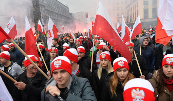 Thousands hold anti-government protest in Poland