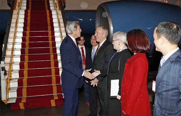 Kerry arrives in Vietnam for final state trip