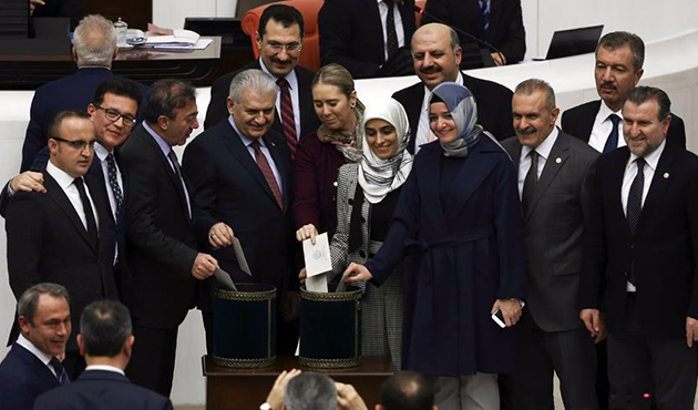 Turkish MPs pass 4 more articles of new Constitution