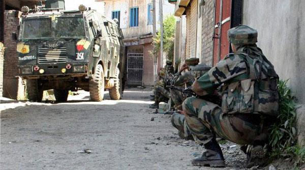 Indian army convoy ambushed in Kashmir, 2 soldiers dead