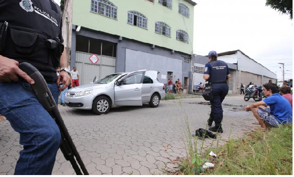 Ten die in police operation at Brazil farm