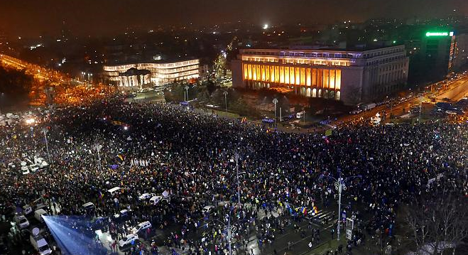 Over 450 people hurt in Romania protest clashes
