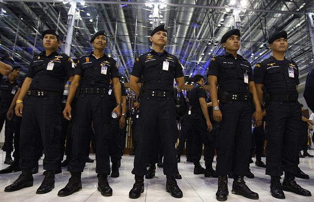 Thai drug cops make 'cocaine lotion' bust at airport