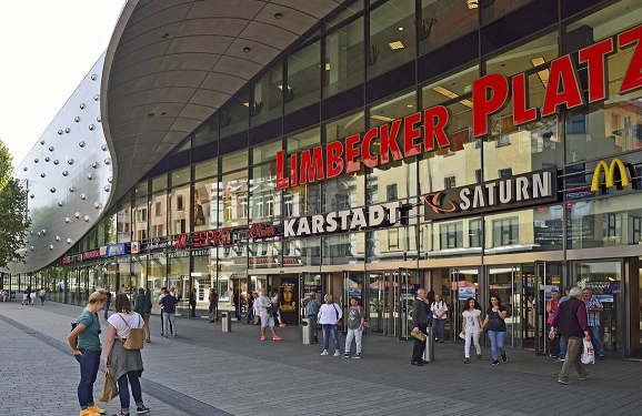 Germany shuts down shopping mall over attack threat