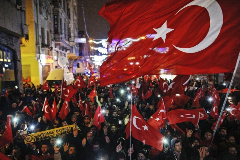 Turkish shop owner sues Dutch king over ministers block