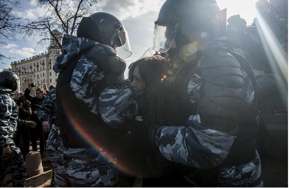 Russia detains hundreds in anti-corruption protests