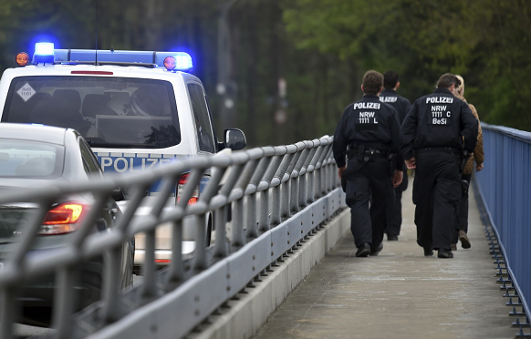 German police arrest 10 in alleged anti-Semitic attack