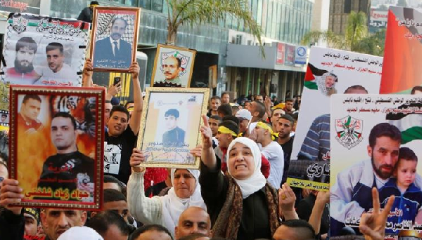 More than 1,000 Palestinian prisoners in hunger strike