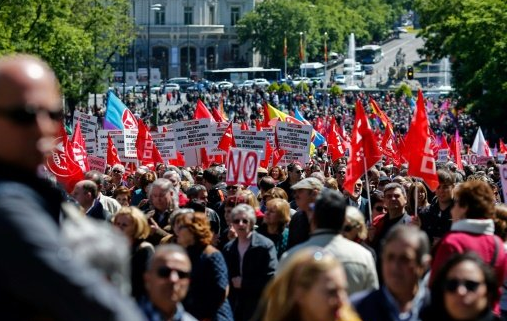 Thousands march in Madrid against corruption