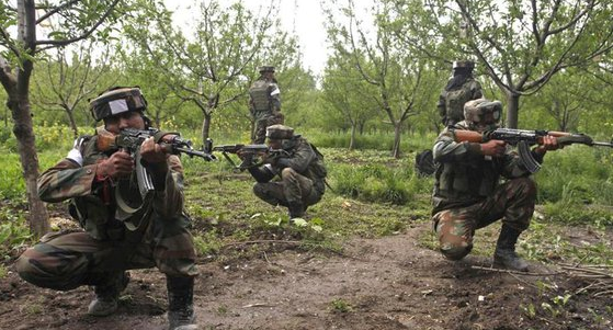 Four militants, three Indian soldiers killed in Kashmir