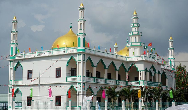 Turkish aid NGO opens Vietnam's biggest mosque