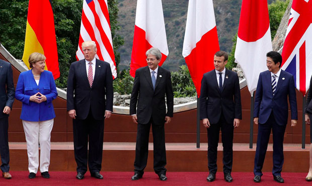 G7 leaders meet in Italy for 'challenging' summit