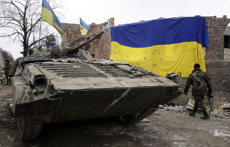 Fresh Ukraine clashes kill 2 as rebels plan new 'state'